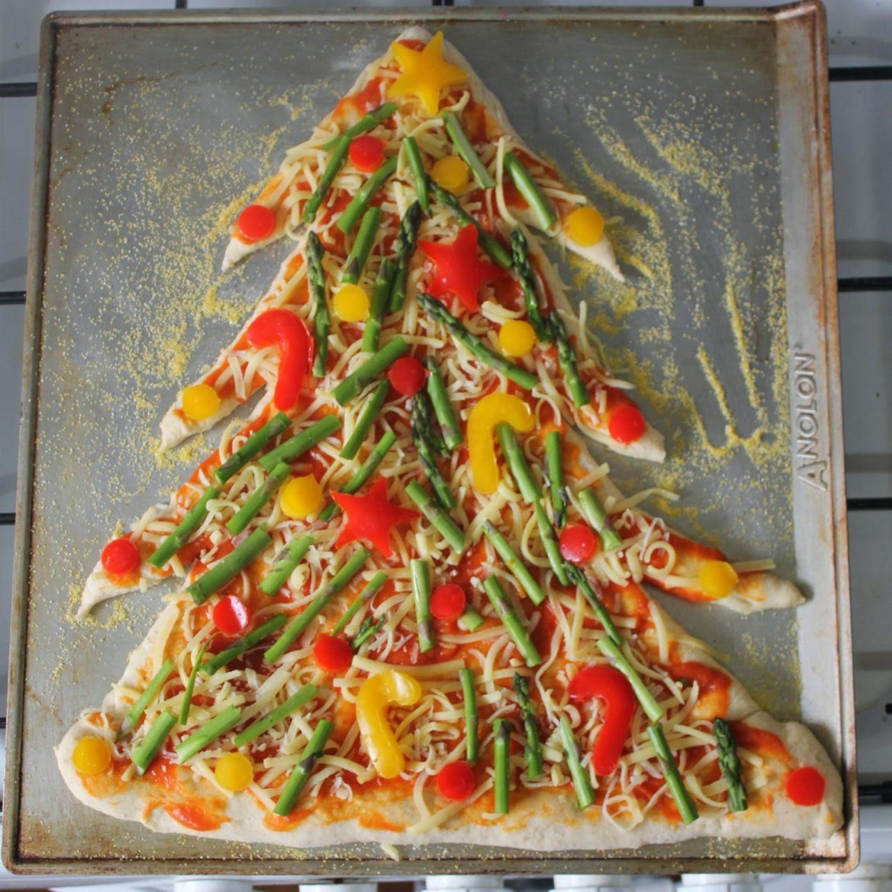 Christmas Tree Pizza Unbaked