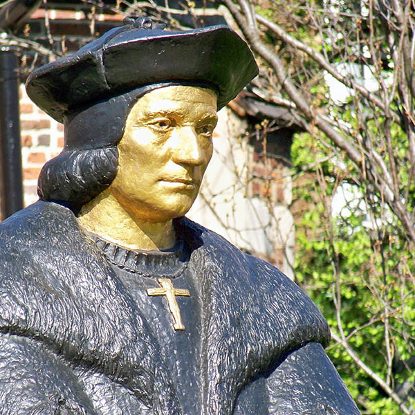 utopia thomas moore. This statue of Thomas More is