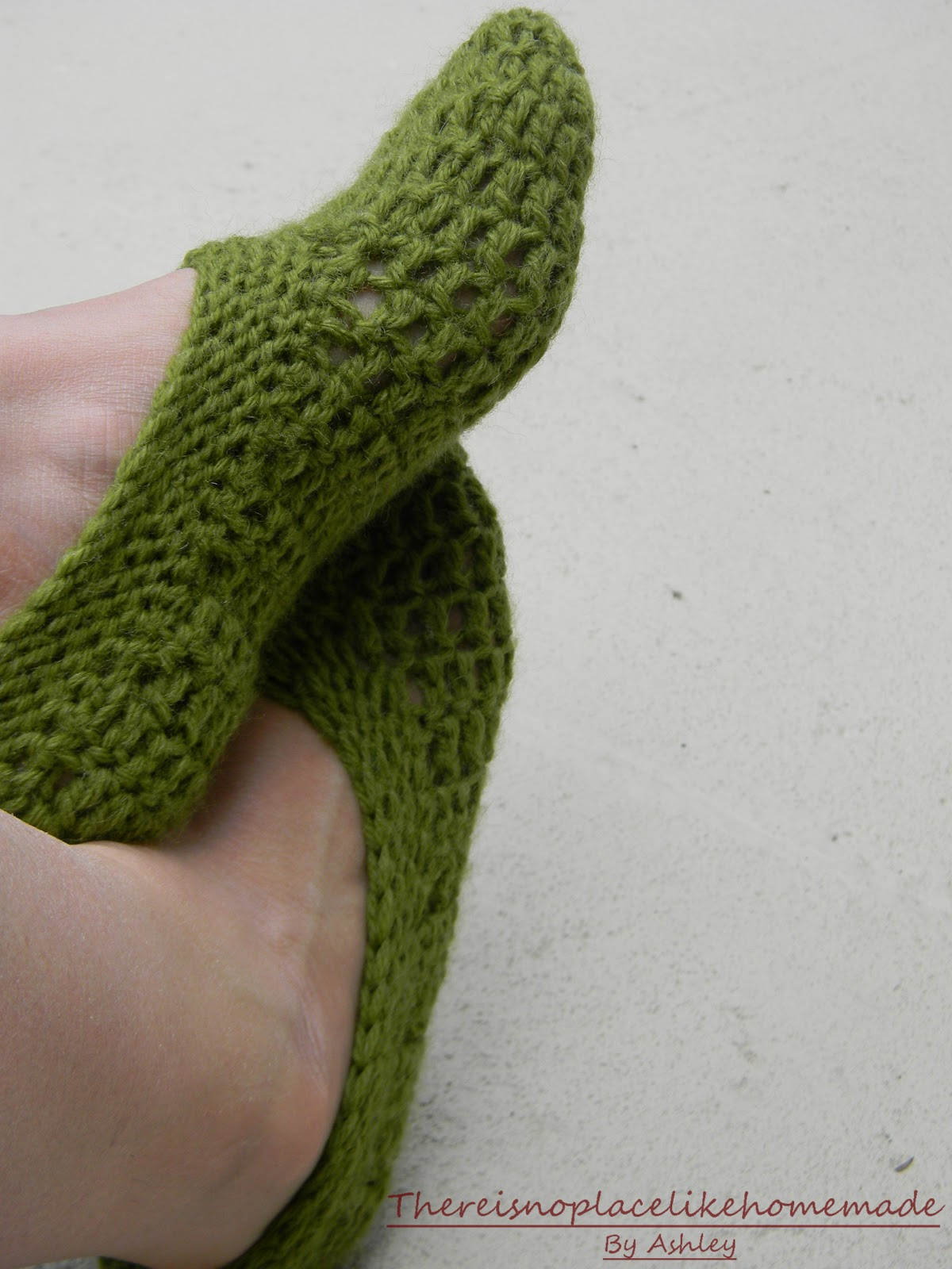 knitted-tv-slippers Images - Frompo - 1