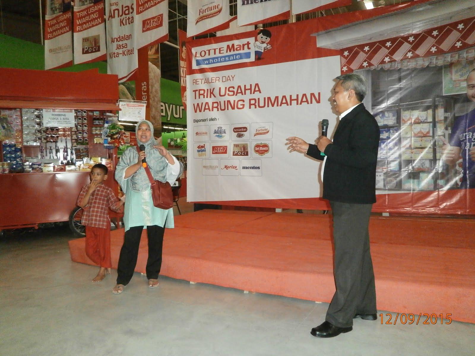 Memotivasi Pebisnis Retailer UMKM di LotteMart Cikarang.