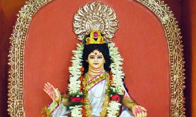 Navratre ke Doosre Din Mata Brahmcharini ki Pooja