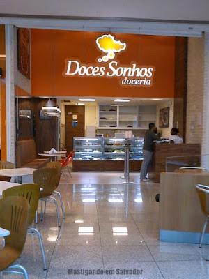Doces Sonhos Doceria: Fachada da loja do Salvador Shopping