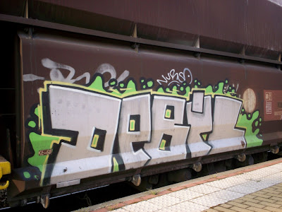 debil - freight train