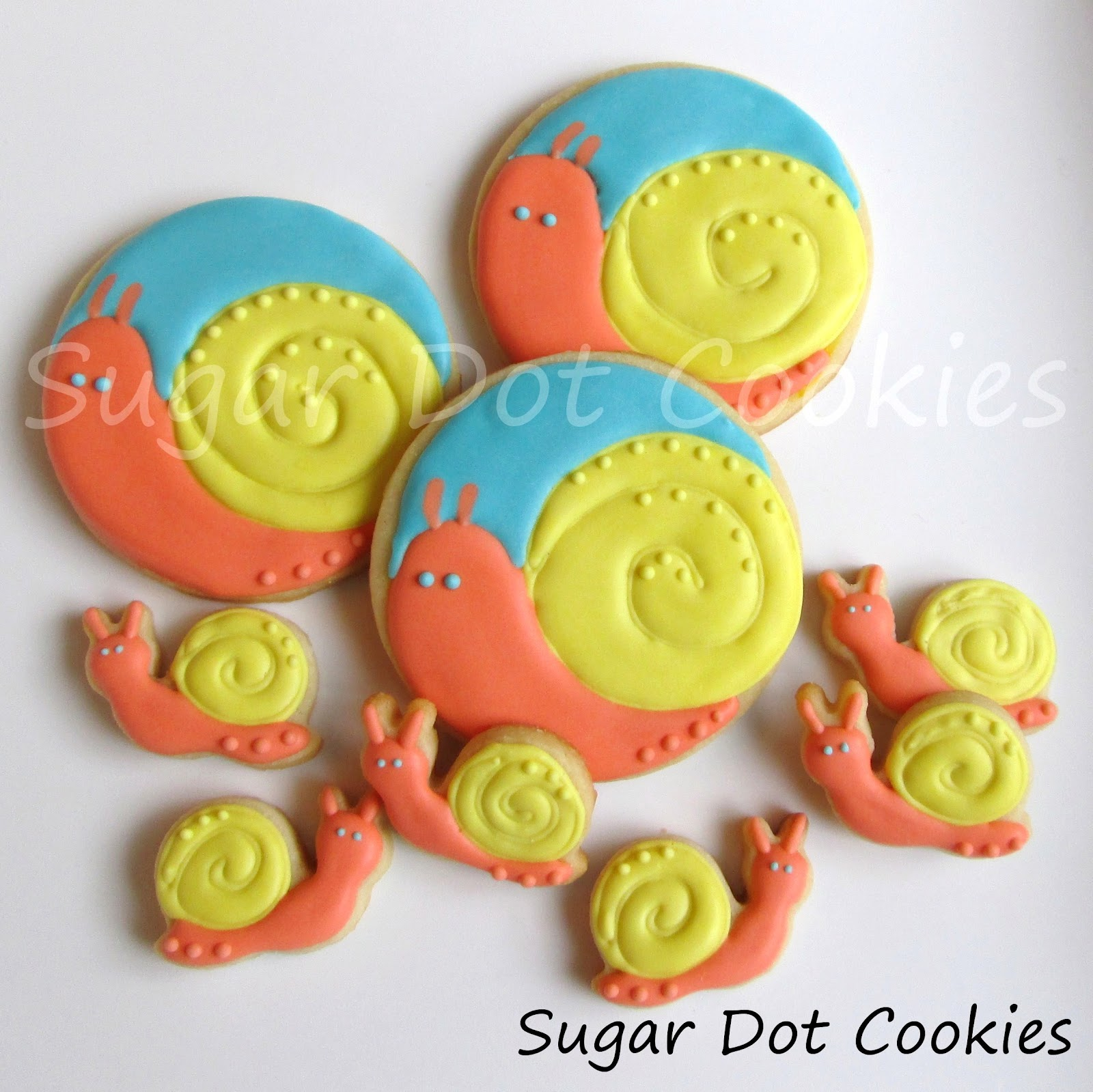 Snail Sugar Cookies with Royal Icing - Tutorial