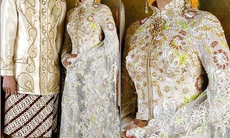 Model baju kebaya pengantin ivory