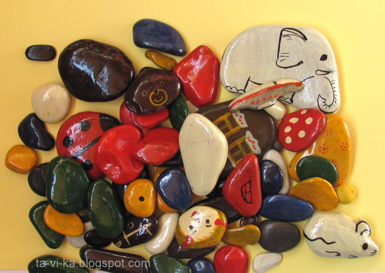 Рисунки и поделки из камней 57
