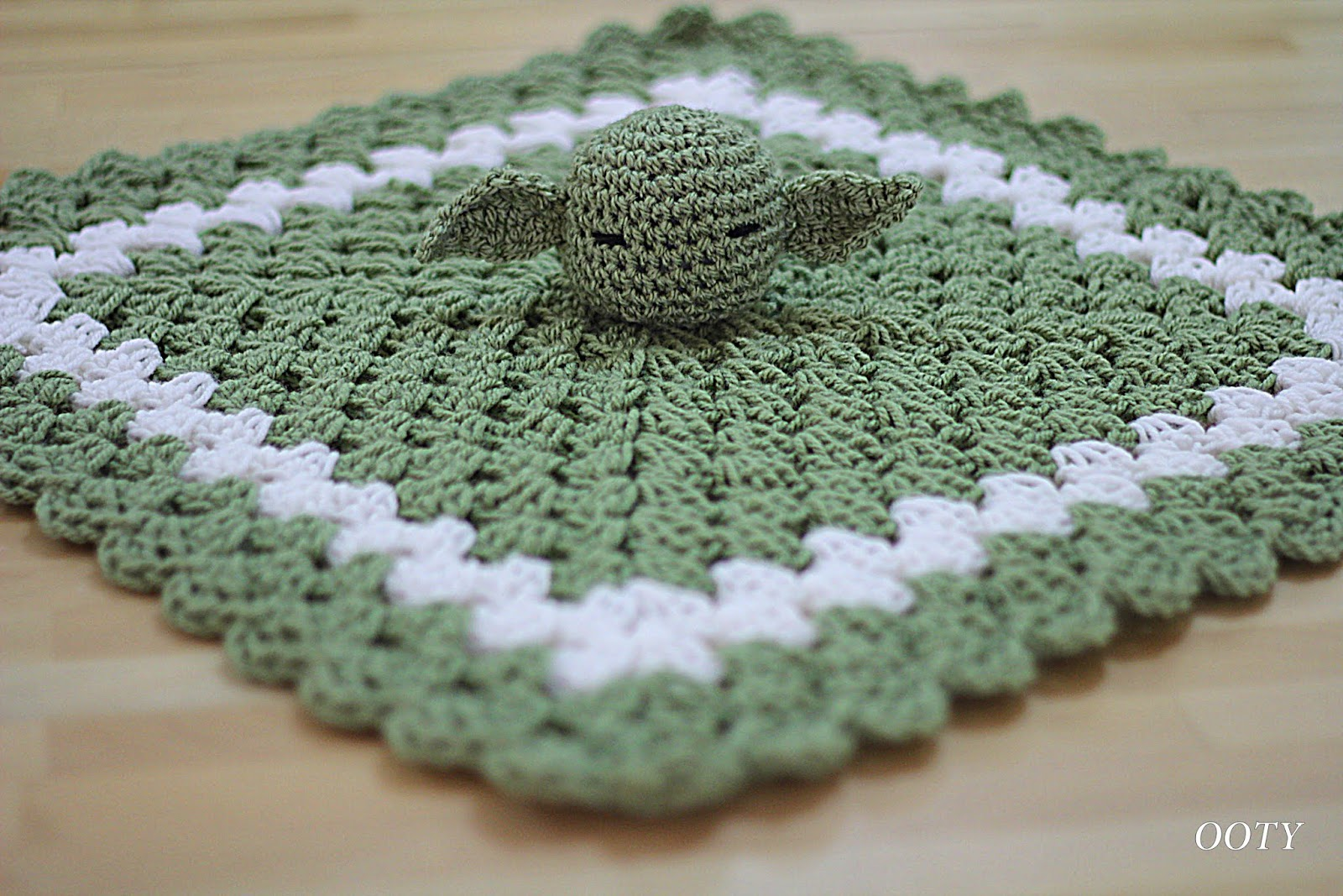 Ooty: In Crochet: New Lovey Blankets