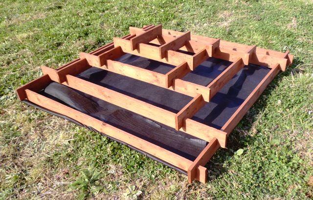 Jardinera piramidal para el jard n for Bases para jardineras