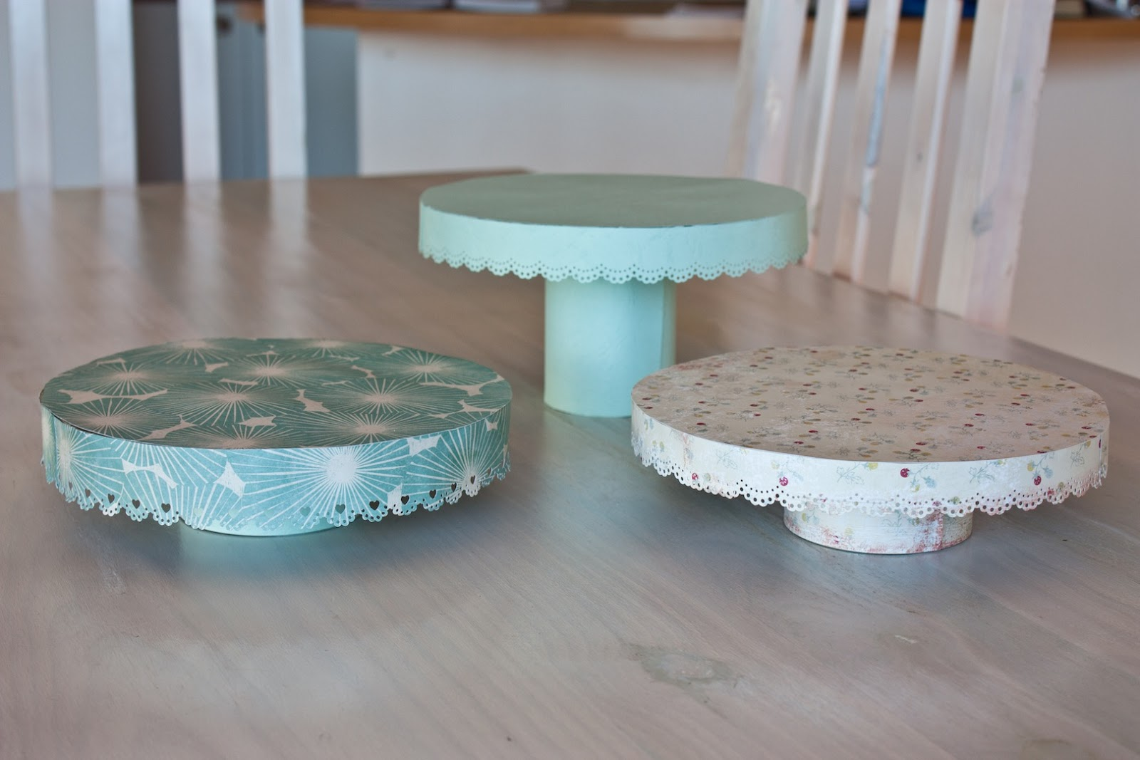 bee inspired diy cake stands