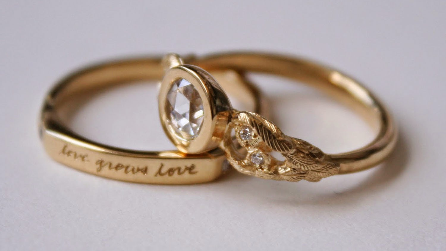 Yellow Gold Diamond Wedding Rings Design Pictures HD