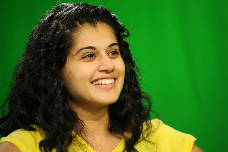 Actress Taapsee Stills Gallery hot images