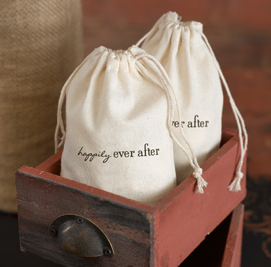 http://allstyleweddings.com/Wedding-Favors/Practical-Wedding%20Favors/Cotton-Favor-Bags-Ever-After