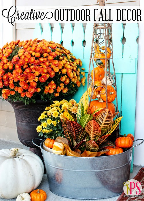 25 outdoor fall decor ideas the cottage market for Pictures of fall decorations for outdoors