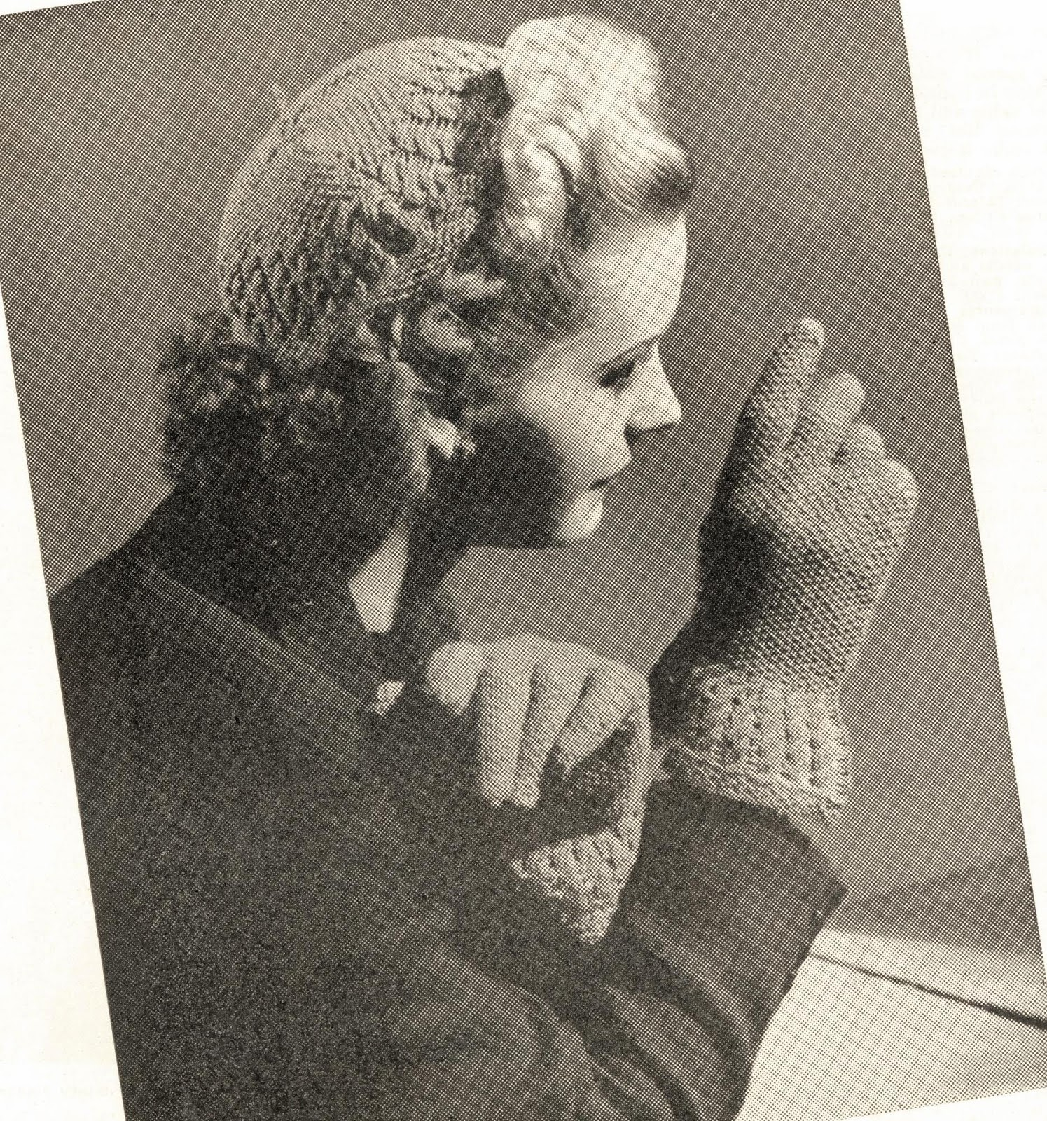 1940 Knitting Patterns Free : The Vintage Pattern Files: 1940s Knitting - Cute as a Wink - Hat & G...