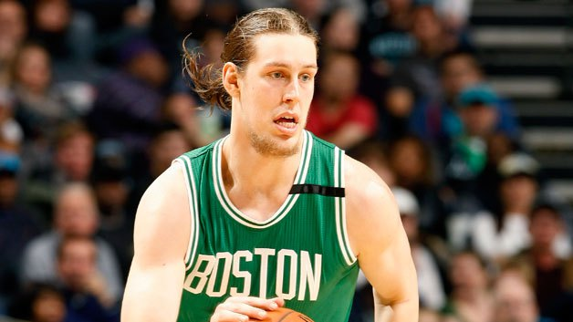 how tall is kelly olynyk