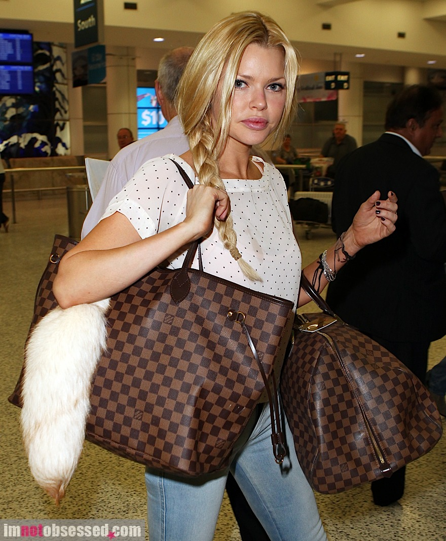 louis vuitton bags celebrities. louis vuitton luggage bags celebrities
