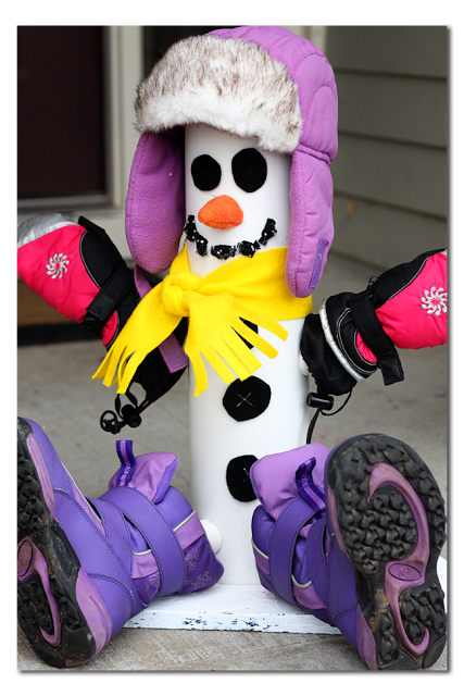 PVC Pipe Snowman Boot and Glove Dryer by Sugar Bee Crafts