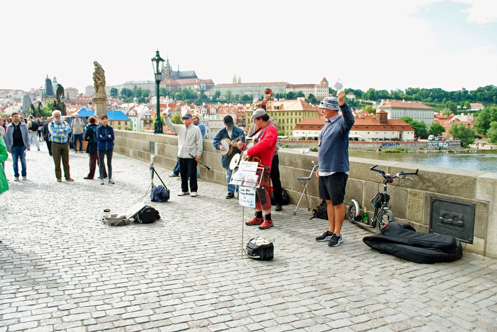 performers charles bridge