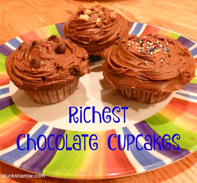 chocolate cupcakes, easy cupcake recipe, moist chocolate cake