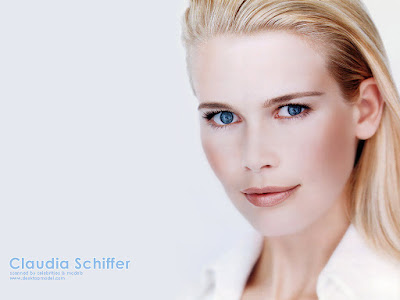Claudia Schiffer Beautiful Wallpaper
