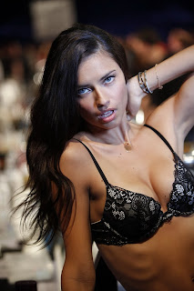 Adriana-Lima-Lingerie-10.jpg