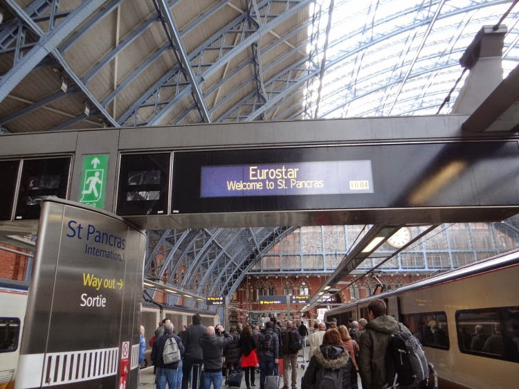 how to buy an oyster card at st pancras station