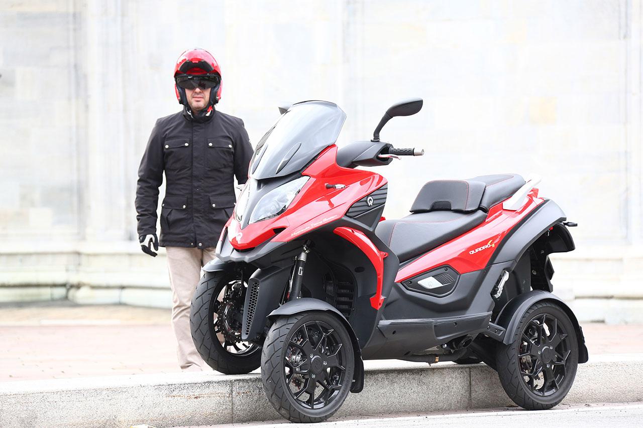 Quadro 4 - The world's only 4 wheel Scooter