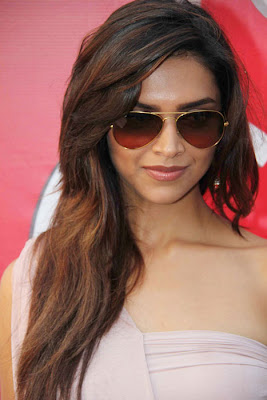Deepika Padukone Hot Cleavage at KingFisher Event