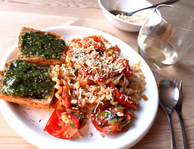 Oppskrift Enkel Pastarett Hjemmelaget Tomatsaus Pastasaus Tomater Vegansk Vegetar
