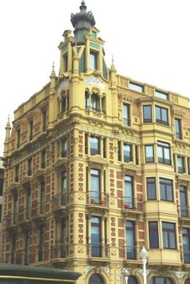 Gijón, Modernismo, edificio calle Rectoría 1