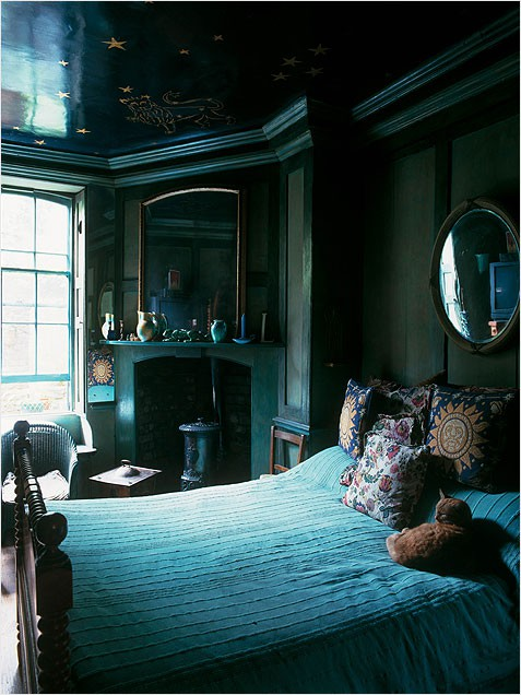 here shades of t eal give this room an almost royal feel the pillows