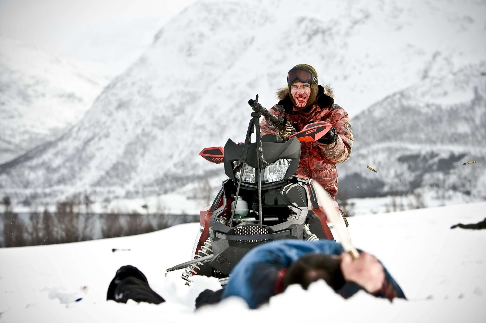 a horror diary review dead snow 2009