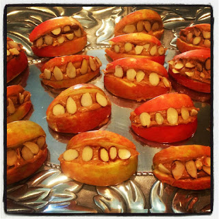apple and peanut butter smile, teeth, healthy halloween treats