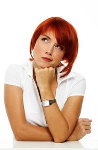 woman-thinking -  أعراض السرطان تتجاهلها النساء