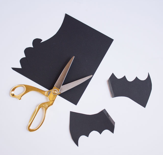 Halloween Bat Balloons | Design Improvised