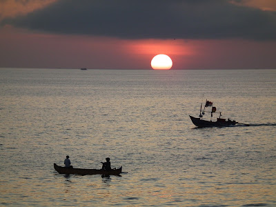 Sunset at Jimbaran Beach, seafood in Jimbaran, romantic dinner in bali