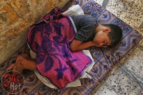 Warga Muslim Gaza mengungsi di Gereja Ortodoks Yunani 20