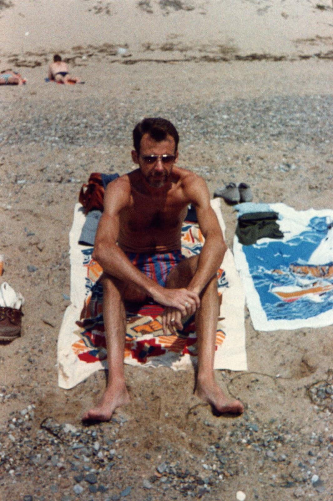 Beach men nude tanning picture 522