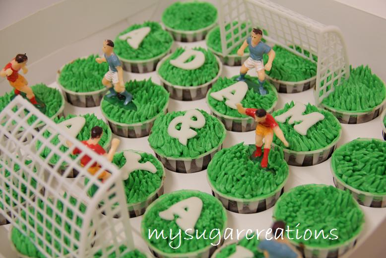 Football Themed Cakes http://mysugarcreations.blogspot.com/2012/07/football-theme-cupcakes.html