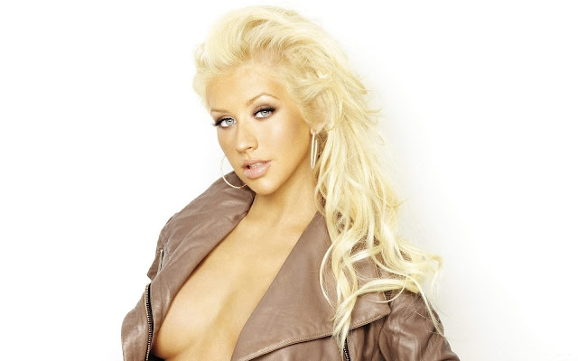Christina Aguilera Blonde Singer