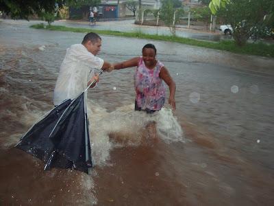 Chuvas em Birigui - Rua José Masson - Um Asno