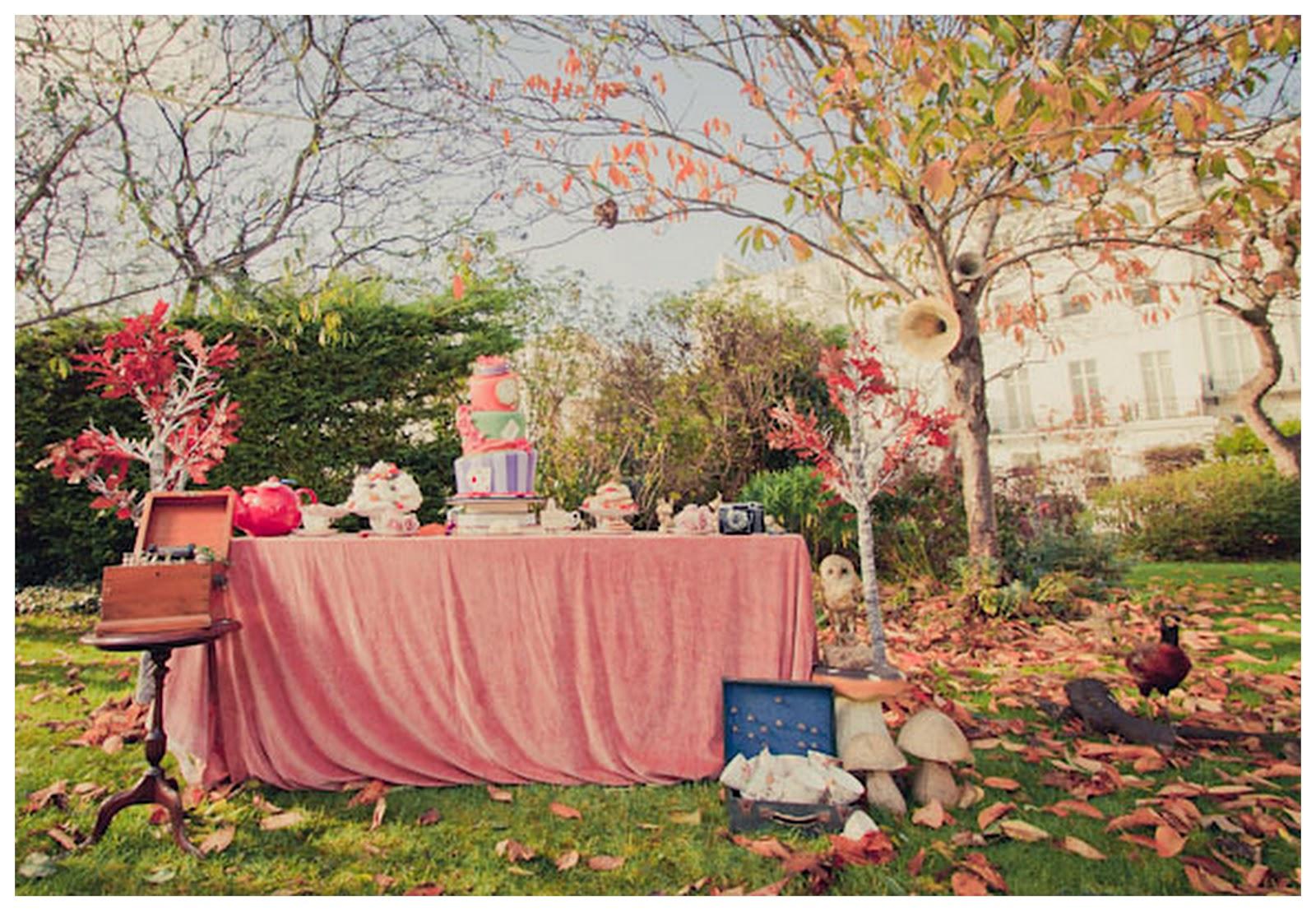 Amazing Alice In Wonderland Wedding Shoot
