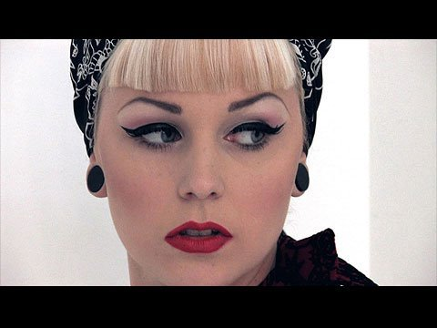 Estilo pin up maquillaje pin up - Maquillage pin up ...