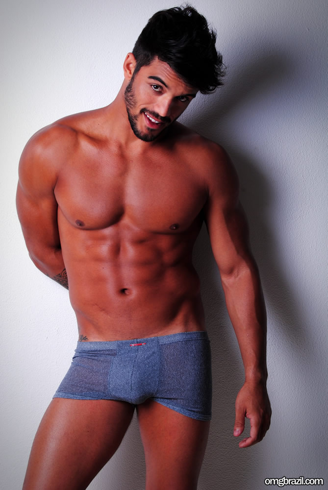 Ex-BBB André Coelho pelado (6)
