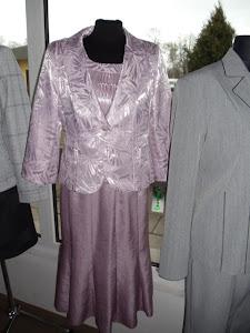Garsonki i kostiumy