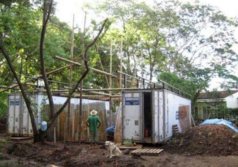 Casas contenedores casa hecha con contenedores y bamb en - Casas hechas con contenedores precios ...
