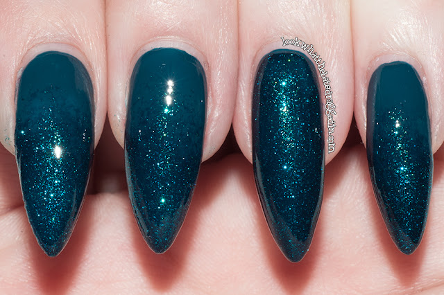 Ulta3 Get Teal and Infamous glitter gradient swatch