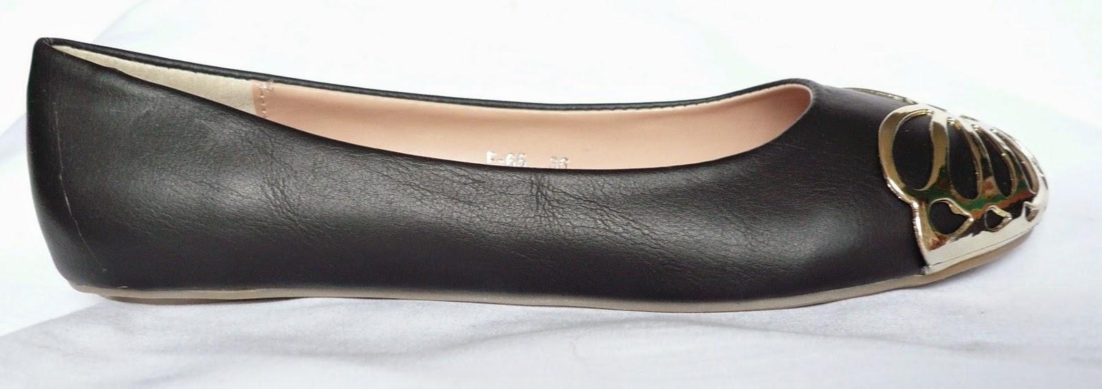 http://www.ebay.fr/itm/ballerines-papillon-noires-ballerine-interieur-cuir-petit-prix-noir-mignonnes-/300885566589?ssPageName=STRK:MESE:IT