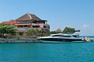 Rent a boat at Puerto Aventuras Marine