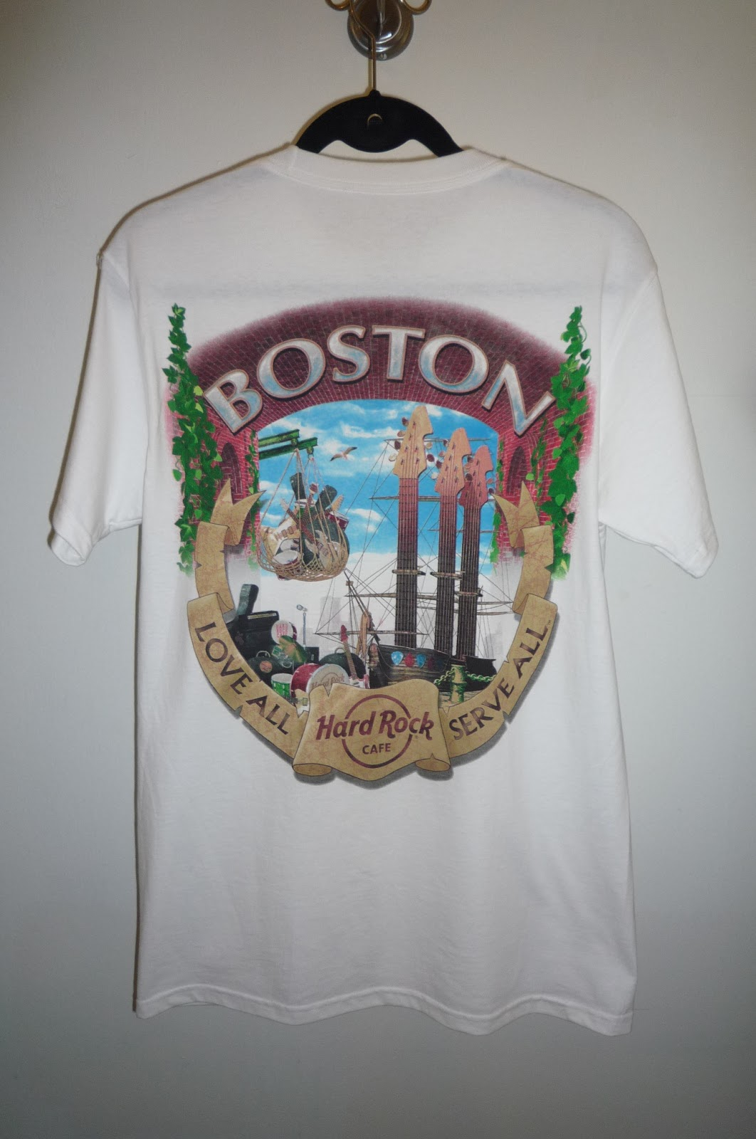 busybeeroom welcomes you hard rock cafe boston t shirt. Black Bedroom Furniture Sets. Home Design Ideas